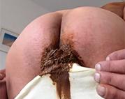 abspritzen in den arsch und dann furzen sperma porno auf der autobahn