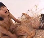 Thai Schlampen kotzen beim Lesbensex