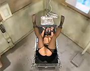 Sexuell ausgeliefert im Einlauf Porno