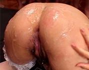 Bukkake auf Pussy und Arsch
