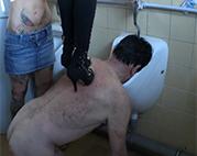Als Toilette von deutschen Dominas benutzt
