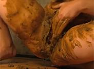 Perverse Russin masturbiert