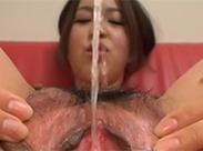 Japanerinner pissen fröhlich