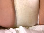 Diaper Girl hat sich eingepinkelt