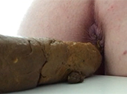 Fette Scheißwurst aus Teenie Darm