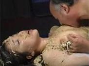 Perverse Asiaten beim Vomit Sex