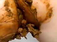 Dreckige Schlampe bei Kaviar Masturbation