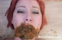 Lesbische Sub im Kaviar Fieber